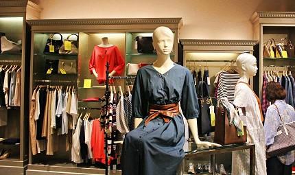 推薦日本東京自由行年末折扣季可購買的服飾品牌適合都會時尚男女性以及休閒風格BEAMS