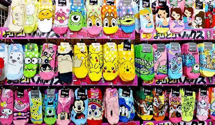 各種款式的動漫卡通人物襪子