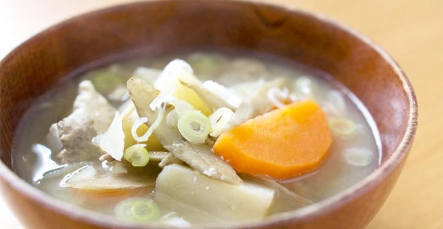 日本平價丼飯連鎖定食店日式豬肉味噌湯
