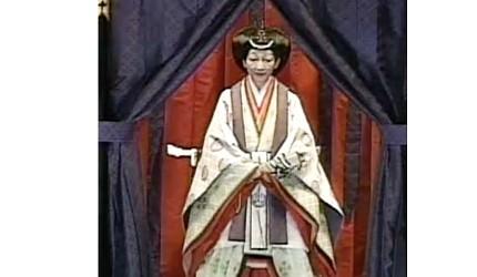 日本明仁上皇即位時的美智子皇后照片