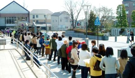 日本餐厅排队大排长龙