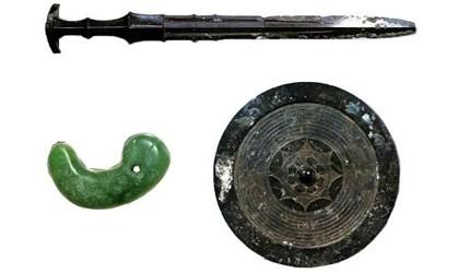 日本新天皇即位時「劍璽等繼承之儀」會使用的草薙劍、八尺瓊勾玉、八尺之鏡