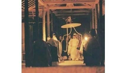 日本明仁天皇即位後的「大嘗宮之儀」