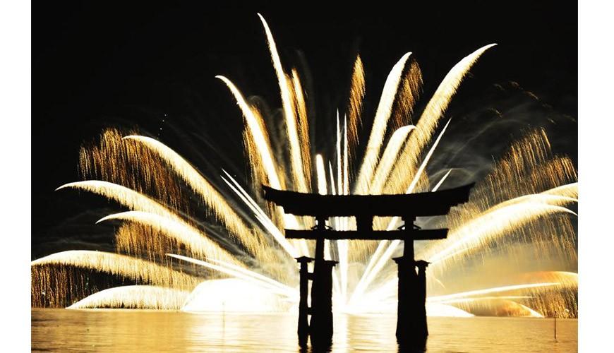 日本烟火大会花火大会日本看烟火夏天日本祭典宫岛花火大会