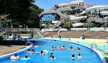夏天去日本玩水消暑、暑假帶細路旅行放電最好玩的水上樂園精選推介,提供人造浪池、漂流河、巨型滑梯、水上滾筒、水上運動競技設施、兒童嬉水池等水上遊戲設備的水上樂園7選中的豐島園(水と緑の遊園地 としまえん)