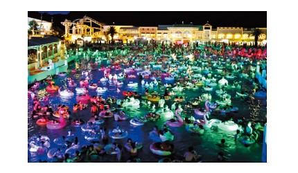 夏天去日本玩水消暑、暑假帶細路旅行放電最好玩的水上樂園精選推介,提供人造浪池、漂流河、巨型滑梯、水上滾筒、水上運動競技設施、兒童嬉水池等水上遊戲設備的水上樂園7選中的Laguna Ten Bosch(ラグーナテンボス)拉格娜海灣