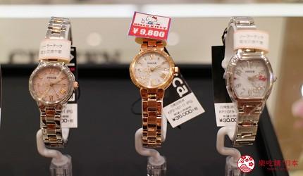 日本超好買的免稅店LAOX內售賣的Hello Kitty腕錶上鑲有施華洛世奇水鑽