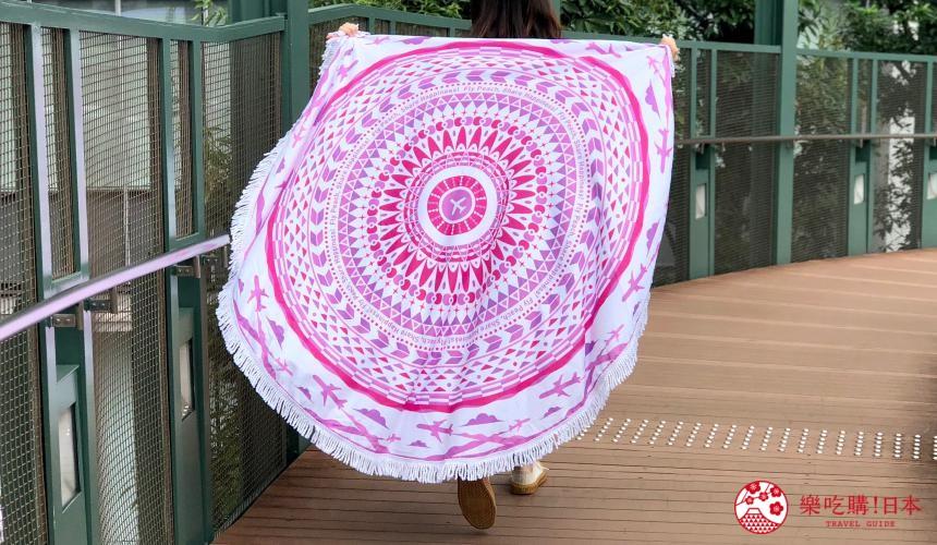日本樂桃人氣原創設計商品的樂桃圖騰圓毯照片