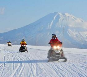 日本有中文教練的滑雪場推介的中文滑雪場新雪谷國際滑雪學校有雪上電單車騎