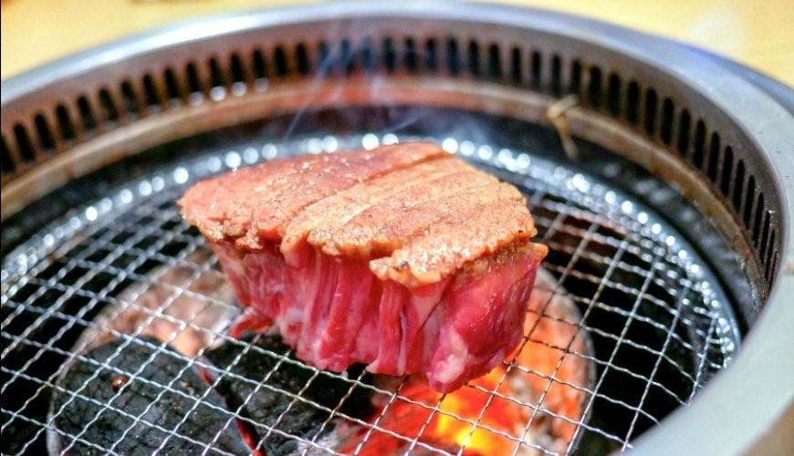 2019日本Tabelog烧肉百名店排行第一名东京和牛烧肉炭烧金龙山夏多布里昂牛排