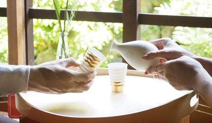 日本陶瓷餐具推薦推介SIONE質感弦月對杯夢幻精緻碗盤送禮首選結婚賀禮日系餐具陶瓷藝術的上弦之月陶瓷杯下弦之月陶瓷杯被用來飲日本酒