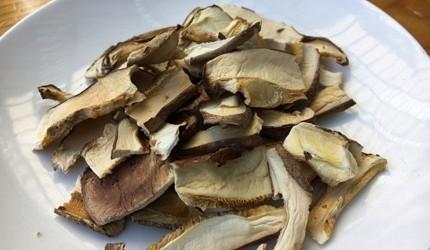 主婦必買日本風味高湯懶人料裡包推薦的文章的清澈高湯原料菇