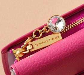 皮夾錢包品牌推薦推介顏色日系甜美小資女送禮必買日系甜美風格Samantha Thavasa拉鍊的部分可見到甜美的吊飾設計