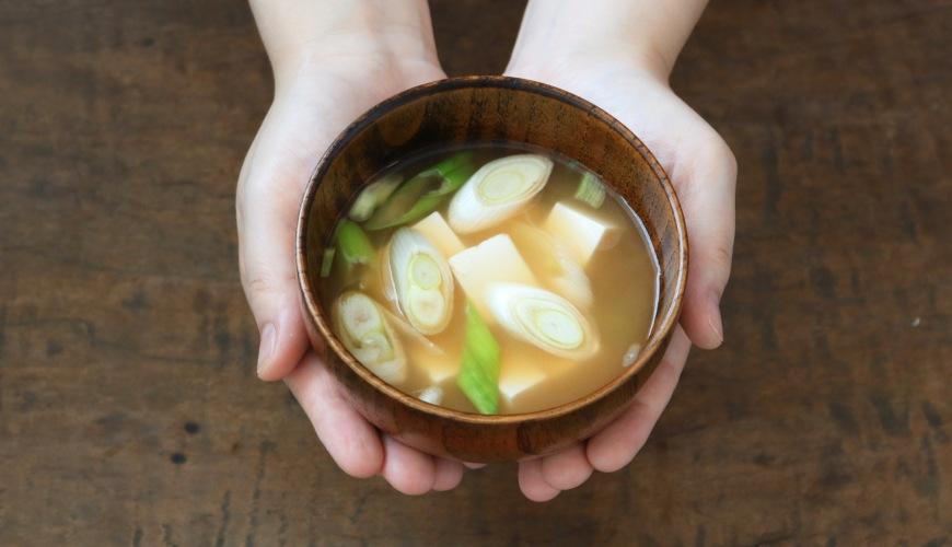 中文的「湯」日語第一種說法:汁