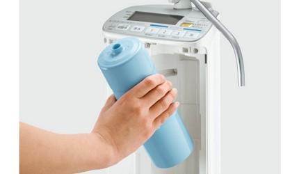 7大日本淨水器濾水器淨水器品牌推薦推介Panasonic飛利浦TORAY水質功能種類評比淨水器期限可以用多久