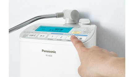 7大日本淨水器濾水器淨水器品牌推薦推介Panasonic飛利浦TORAY水質功能種類評比淨水器panasonic商品實物近看