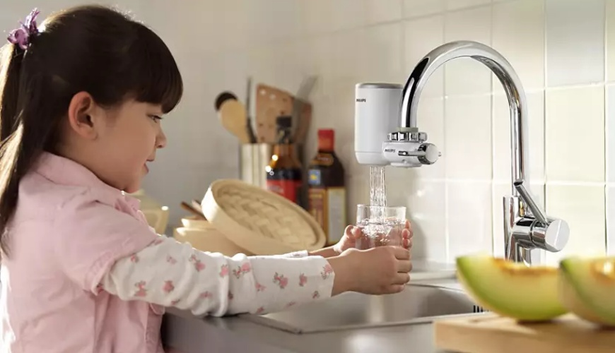 7大日本淨水器濾水器淨水器品牌推薦推介Panasonic飛利浦TORAY水質功能種類評比小孩飲用安全