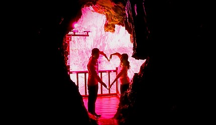 日本岡山鐘乳石洞秘境去「新見」!鐘乳石洞「滿奇洞」內打卡景點「戀人之泉」