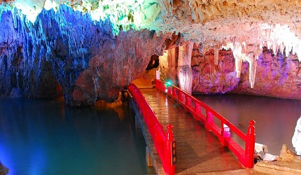 日本岡山鐘乳石洞秘境去「新見」!鐘乳石洞「滿奇洞」內各種奇形怪狀的鐘乳石