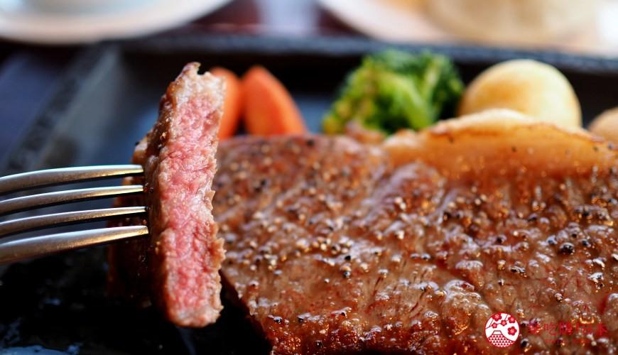 島根自由行必吃必食美食推薦推介島根和牛排山豬肉圍爐裏道地料理懷石料理日本製餐酒紅白酒莊食物實圖近拍牛排橫切面