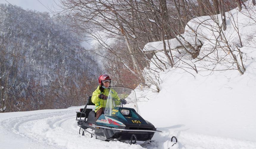北海道自由行冬天推荐玩法6个札幌近郊景点推荐SnowmobileLandSapporo雪上户外活动雪地摩托车