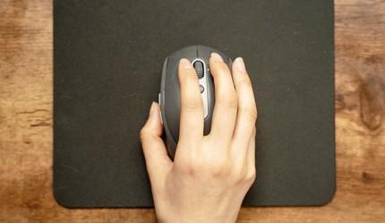 電競滑鼠推薦2021推介高DPI有線無線FPS遊戲專用差別比較滑鼠被握在手裡