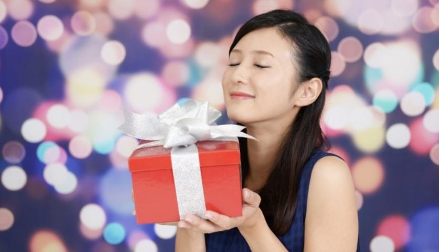 生日禮物推薦推介女友老婆閨蜜女兒收到喜歡的禮物時的表情