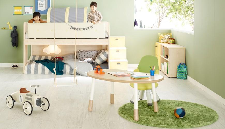 兒童書桌推薦成長書桌推介台灣製實木書桌高度選購指南文章首圖可見小朋友房間內佈置