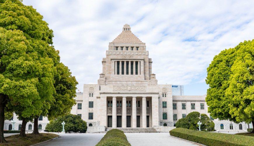 日本要換首相了?「令和大叔」菅義偉為何只做一年?3分鐘了解日本政治現況!